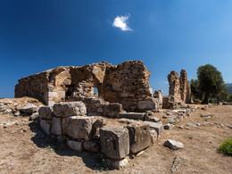 Seitlicher Blick auf die Ruine der Episkopi. (c) Tobias Schorr