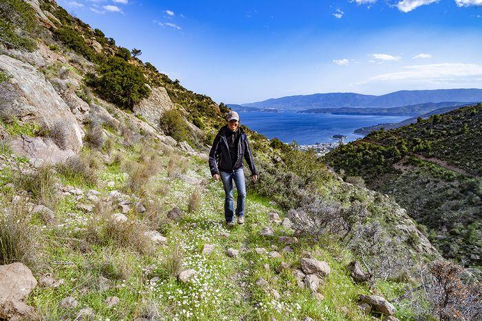 Auf dem Wanderweg A von Methana hoch in die Berge der Vulkanhalbinsel. (c) Tobias Schorr