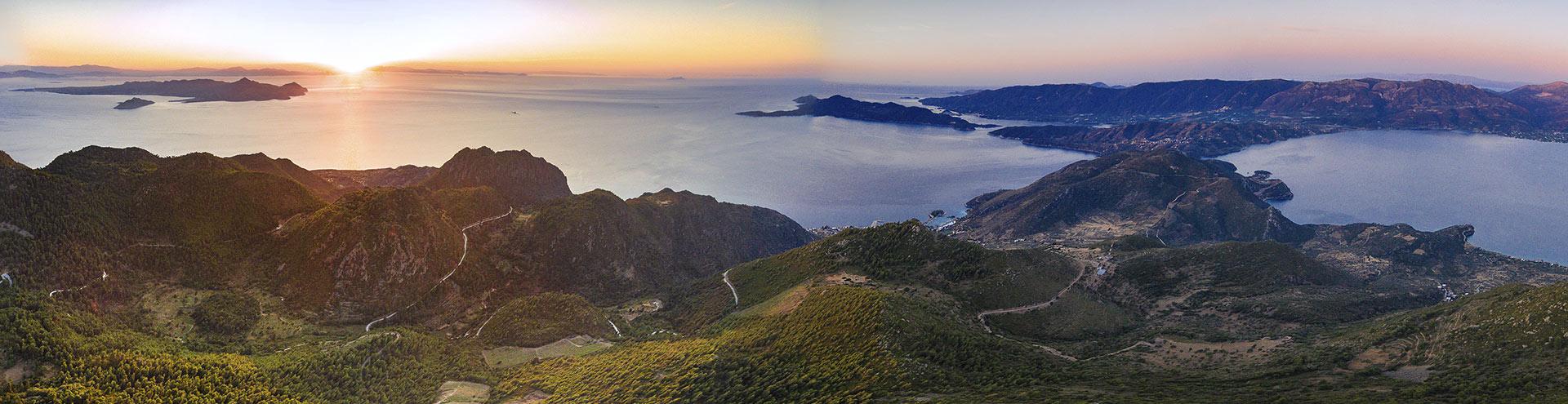 Panorama der Halbinsel Methana. (c) Tobias Schorr
