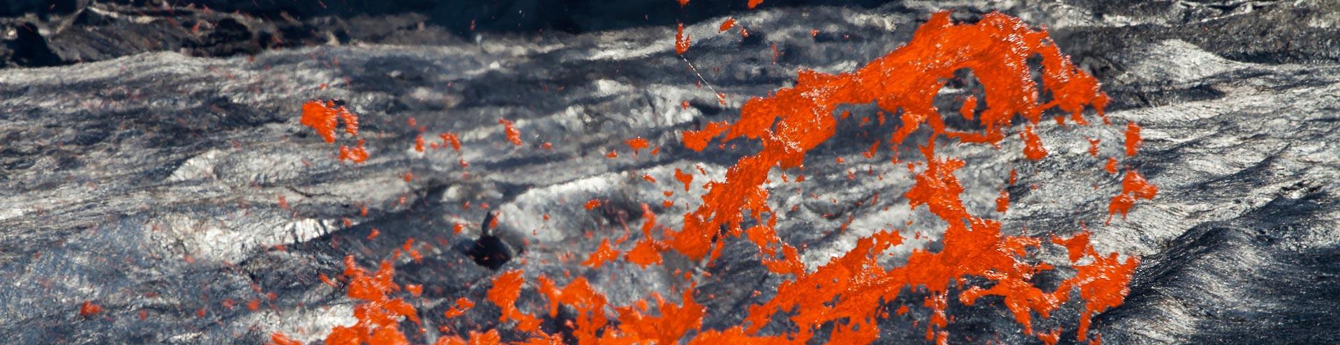 Explodierende Gasblase im Lavasee des Erta Ale Vulkans